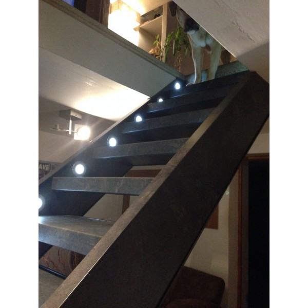 Habillage ardoise escalier ouvert 74160 bossey for Escalier ouvert salon