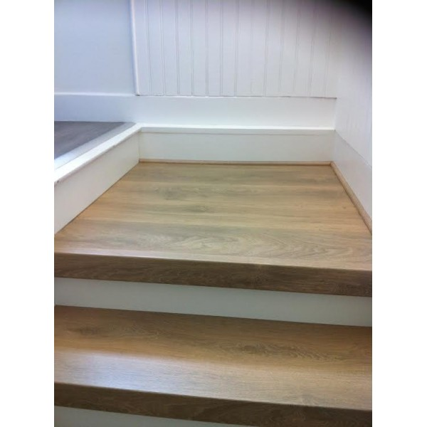 Recouvrement escalier bois décor chêne BLANCHI 69230 St genis laval