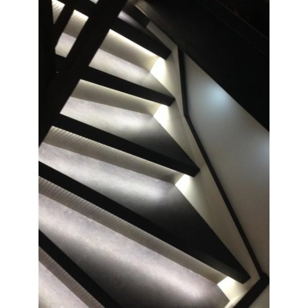 recouvrement escalier bois ardoise 38350 la mure. Black Bedroom Furniture Sets. Home Design Ideas