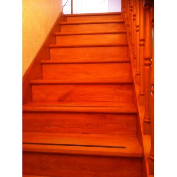 habillage ch taigner escalier 69100 villeurbanne. Black Bedroom Furniture Sets. Home Design Ideas