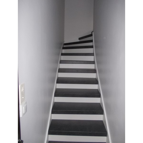 recouvrir un escalier recouvrir un escalier b ton avec du bois recouvrir un escalier. Black Bedroom Furniture Sets. Home Design Ideas