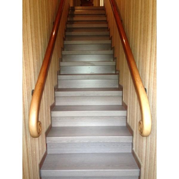 Escalier à rénover béton décor chêne blanchi (74500)