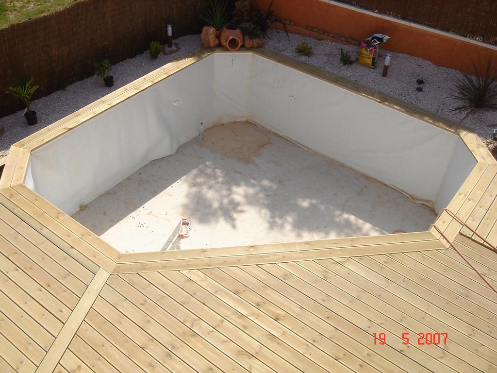 En relation avec le client dans le 83 for Accessoire piscine discount