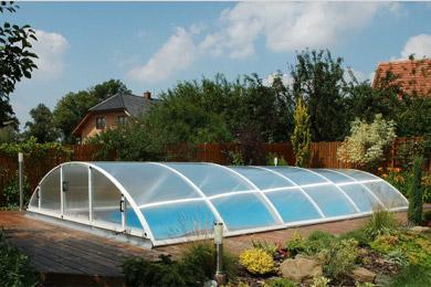 Abri piscine installer un abri pour une piscine de 8mx4m for Prix piscine hors sol installee