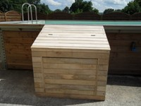 coffre technique en bois pour piscine. Black Bedroom Furniture Sets. Home Design Ideas