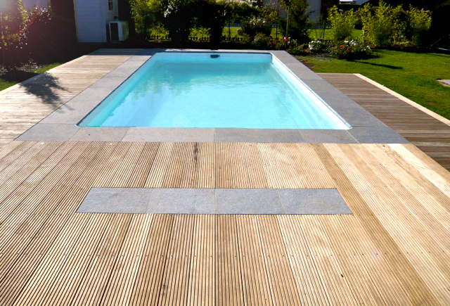 Belle piscine rectangulaire enterr e pas cher for Piscine en teck pas cher