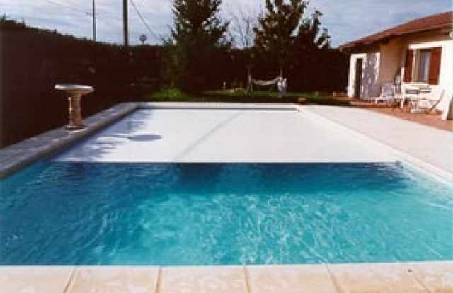 Galerie photos de piscine 1090 for Piscine coque ou beton avis