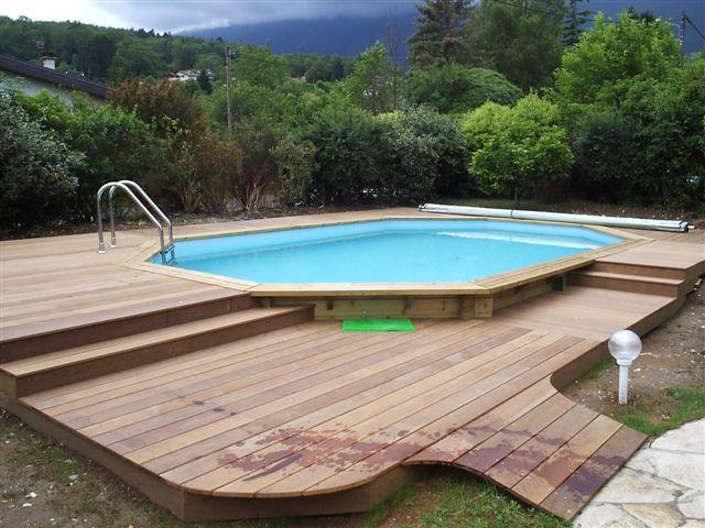 Photo piscine amenagement en bois piscine for Belle piscine hors sol